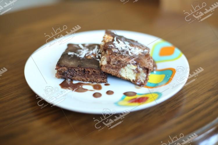 6b7fef0026e1f طريقة عمل كيك الشوكولاتة بكرات جوز الهند خطوة بخطوة بالصور - حلويات -