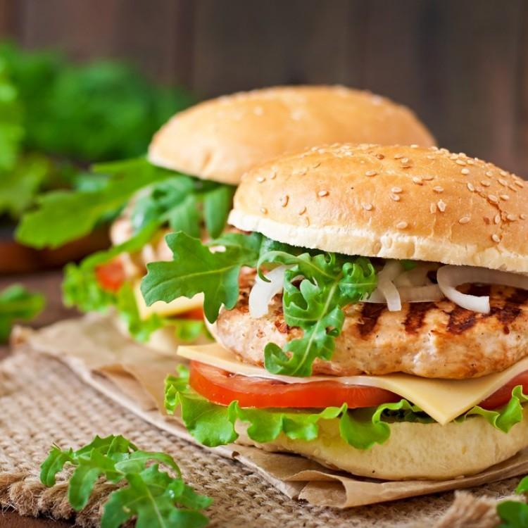 ساندويش الدجاج المشوي دايت