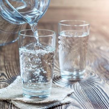 أهم فوائد شرب الماء في الحرّ