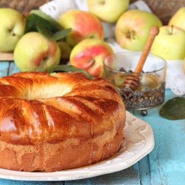 حلويات بالتفاح سهلة وشهية بالفيديو والصور