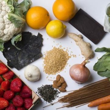 6 عناصر غذائية لحمايتك من مرض السرطان