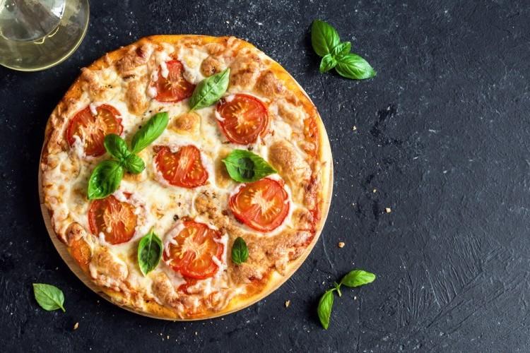 بيتزا مارغاريتا مثل المطاعم