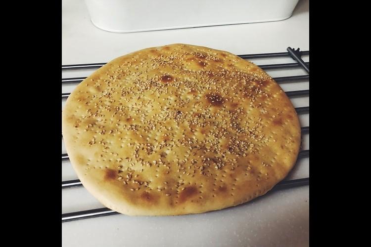 خبز التميس السعودي بالزبدة