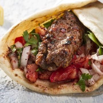 ساندويش كباب لحم
