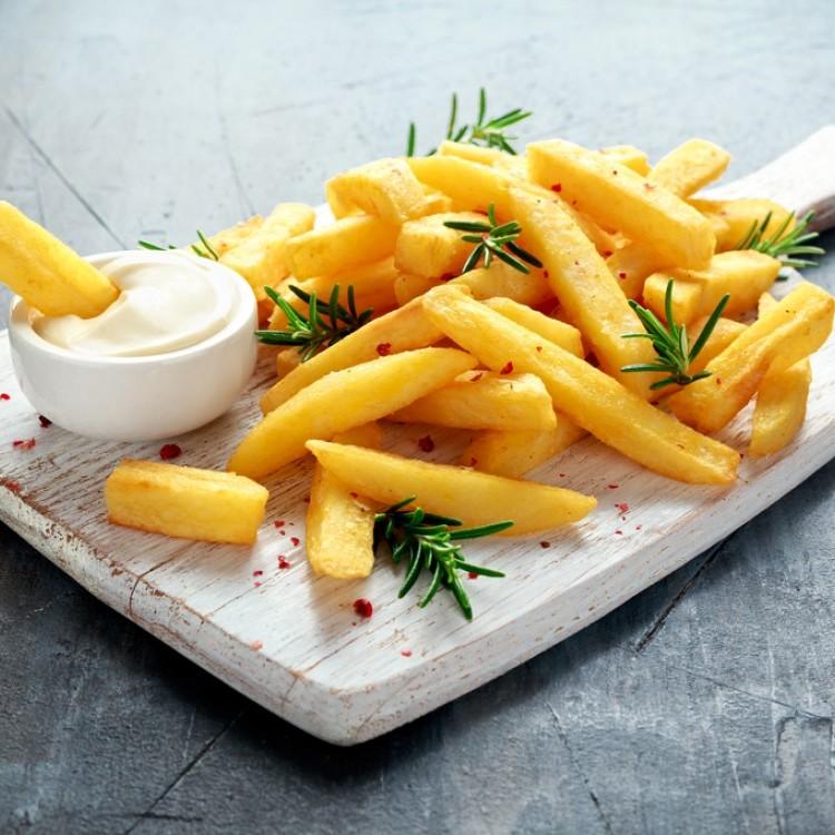 لإفطار رمضاني أشهى.. طرق لجعل البطاطس المقلية مقرمشة