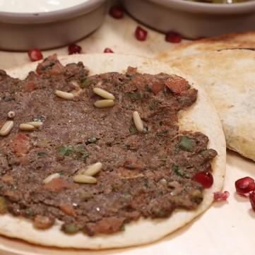 صفيحة اللحم بخبز التورتيلا بالفيديو