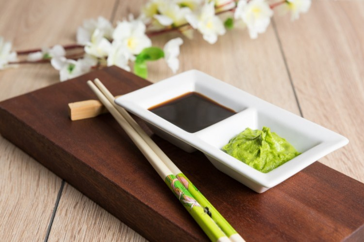 صوص السوشي الأخضر