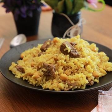 أرز باللحم والحمص الحب بالفيديو