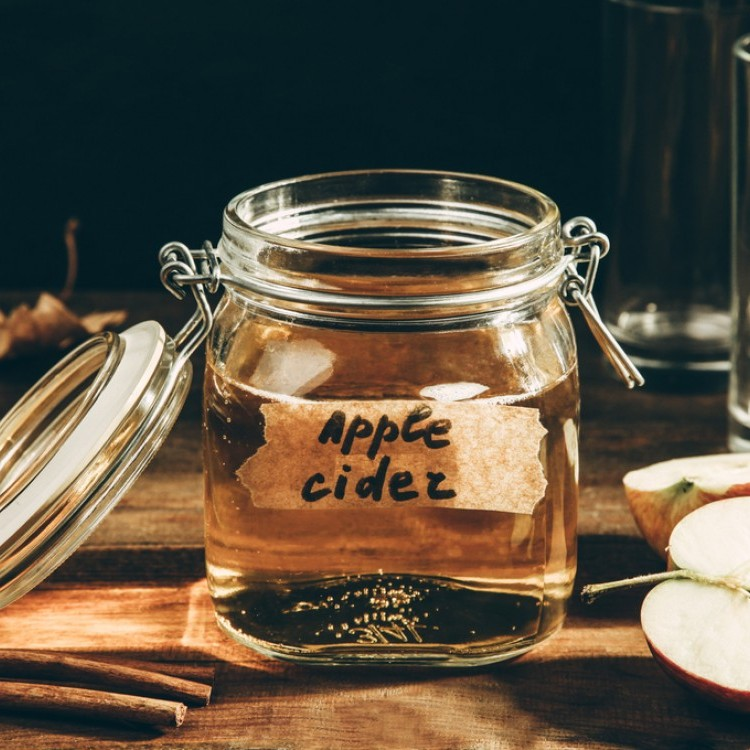 تعرّفي على استخدامات خل التفاح الشائعة