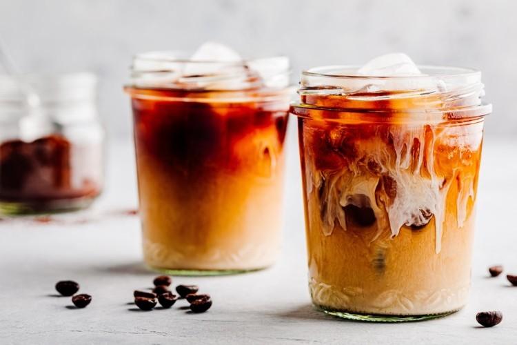 قهوة مثلجة بالفانيليا