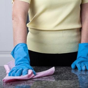 5 طرق لتنظيف وتلميع رخام مطبخك