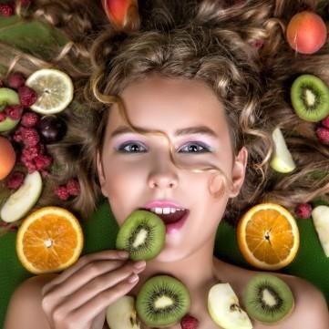10 أطعمة تساعدك في تقوية شعرك