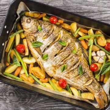سمك مشوي بالبقدونس