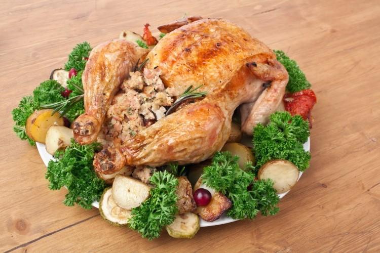 دجاج محشي بالأرز والخضار