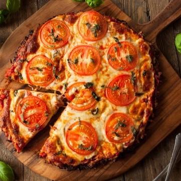 عجينة البيتزا بالقرنبيط صحية وشهية
