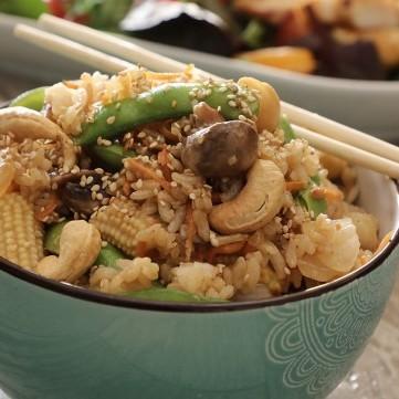 الأرز الصيني بالخضار بالفيديو