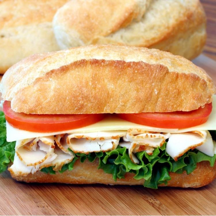 ساندويش تيركي بالجبن