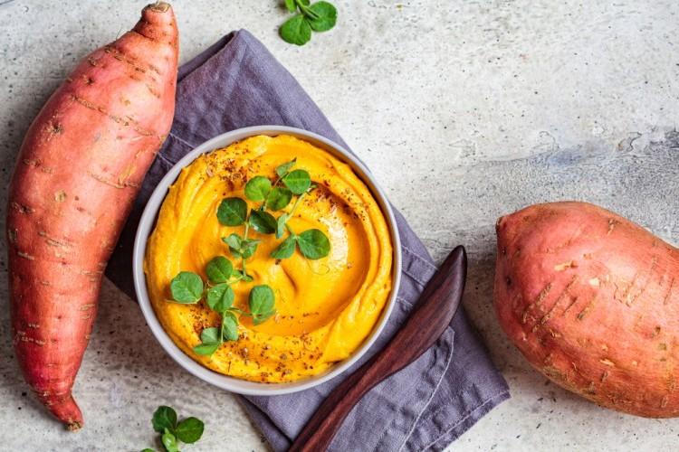 طريقة عمل حمص البطاطا , حمص البطاطا الحلوة لرجيم مثالي 2021 d6e3ebf8401a7a522c22
