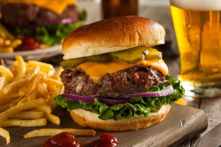برجر اللحم مثل المطاعم