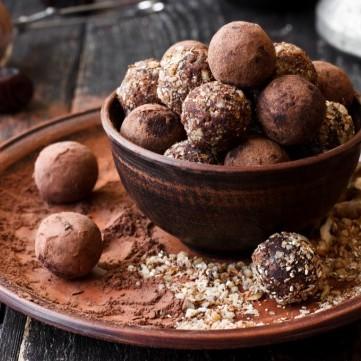 ترافل الشوكولاتة بالمكسرات للعيد
