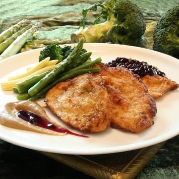 إسكالوب الدجاج بصلصة التوت