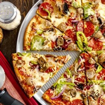 عجينة البيتزا الرقيقة