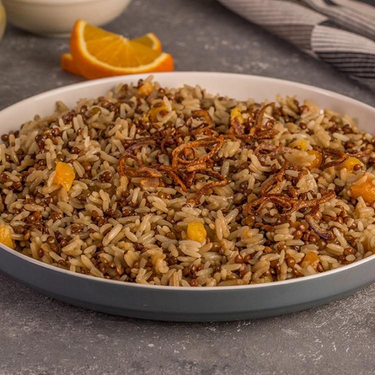 مجدرة الأرز مع المشمش المجفف والبرتقال