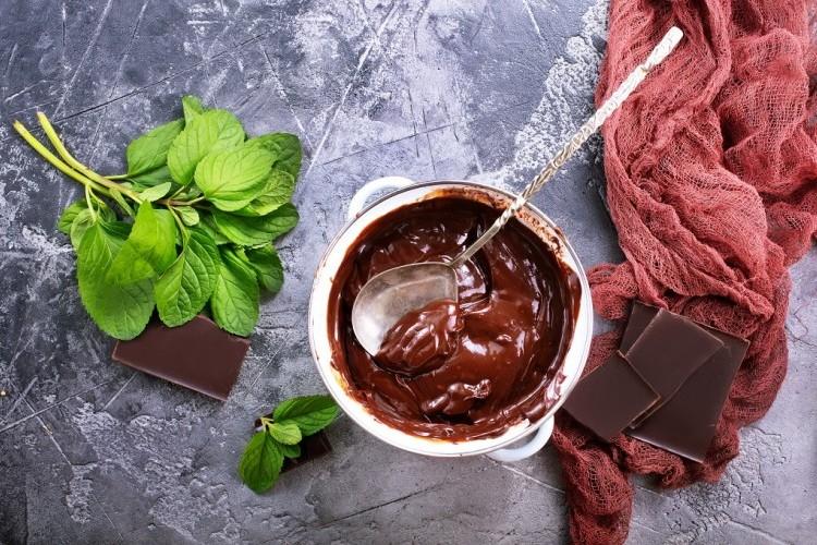 صوص الشوكولاتة بعشر دقائق