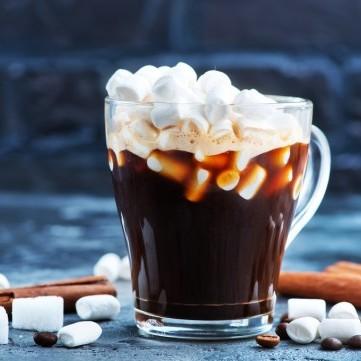 مشروب القهوة بالعسل والمارشميلو