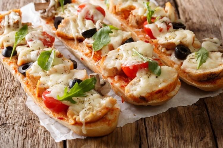 بيتزا الدجاج بالخبز الفرنسي E3cd5062cbf98866856e809bd7a339ff_w750_h500