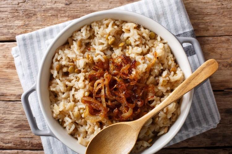 مجدرة بالأرز