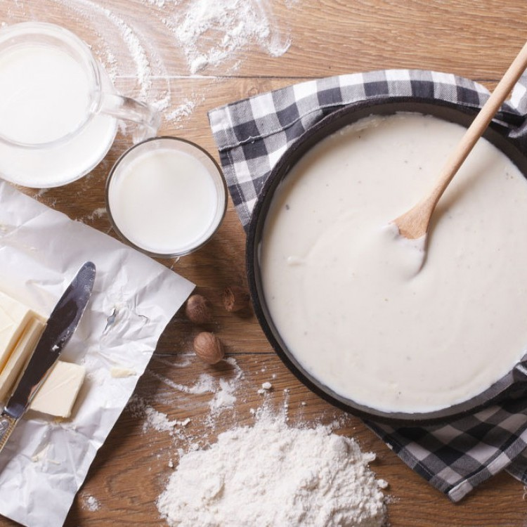 صلصة البشاميل بحليب البودرة