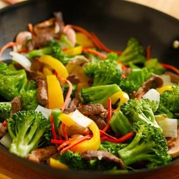 لحم بالخضار على الطريقة الآسيوية للرجيم