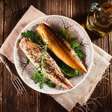سمك الماكريل بالزيت والليمون