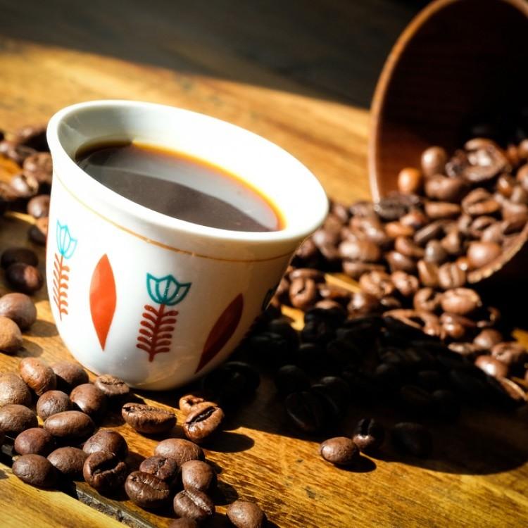 طريقة القهوة السعودية بالهيل