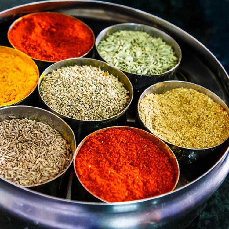 أشهر التوابل المستخدمة في المطبخ الهندي
