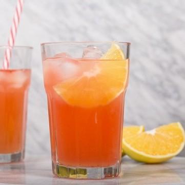كوكتيل التوت والبرتقال
