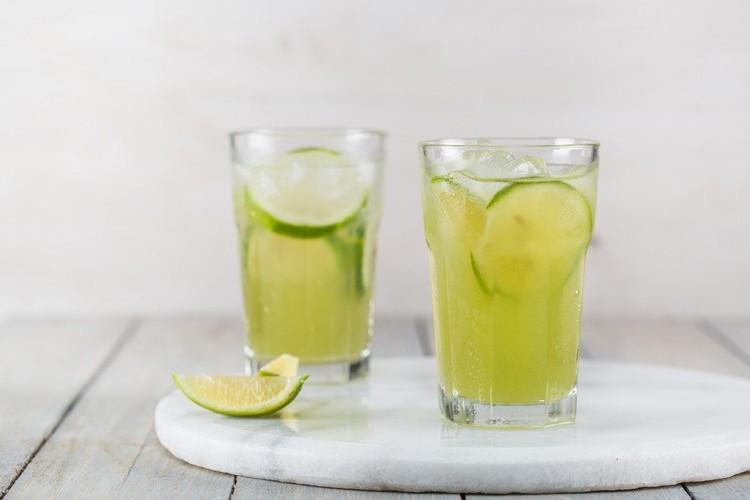 ليموناضة الليمون والزنجبيل