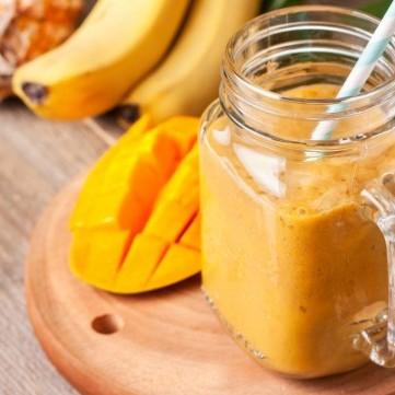 سموذي الموز بالمانغو