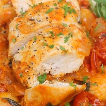 دجاج بالطماطم المجففة من المطبخ الإيطالي