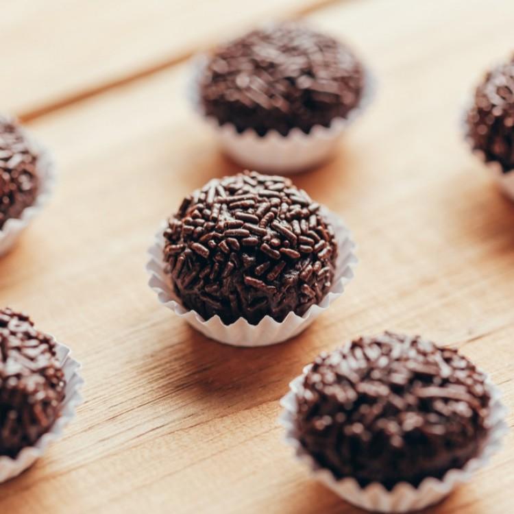 كرات الشوكولاتة