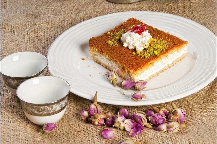 طريقة عمل طريقة عمل بسبوسة بالقشطة حلويات حلويات رمضان