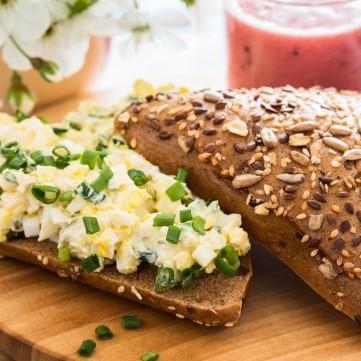 ساندويش البيض المسلوق للرجيم