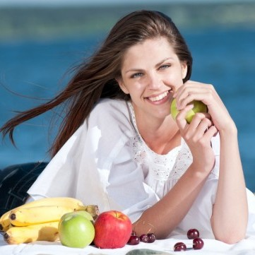 4 أطعمة غذائية تؤخر ظهور الشعر الأبيض