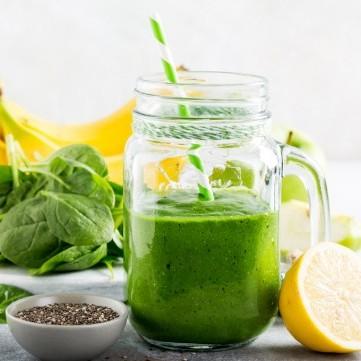 عصير الديتوكس الأخضر بالسبانخ