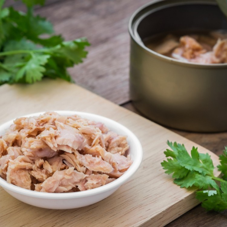 هل أكل معلبات التونة يومياً صحي؟