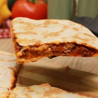 كاساديا اللحم بجبن الشيدر للسحور بالفيديو