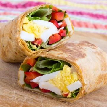 تورتيلا البيض المسلوق بالمايونيز للفطور