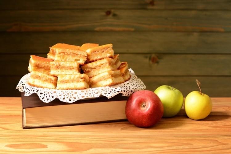 كيك التفاح السريع