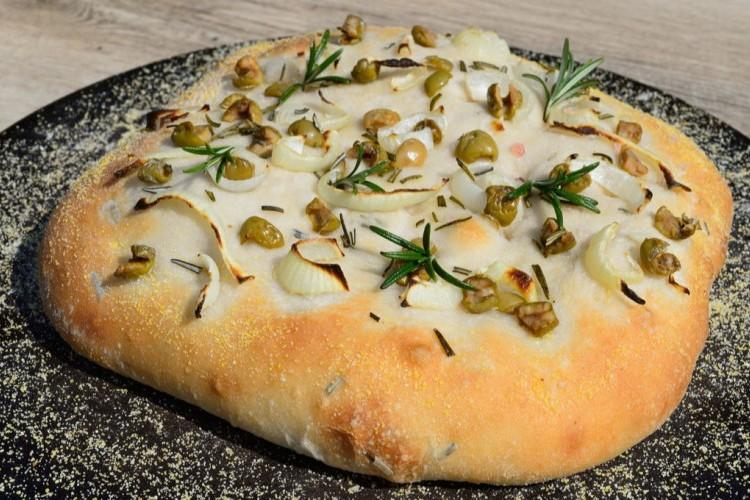 خبز الفوكاشيا بالزيتون